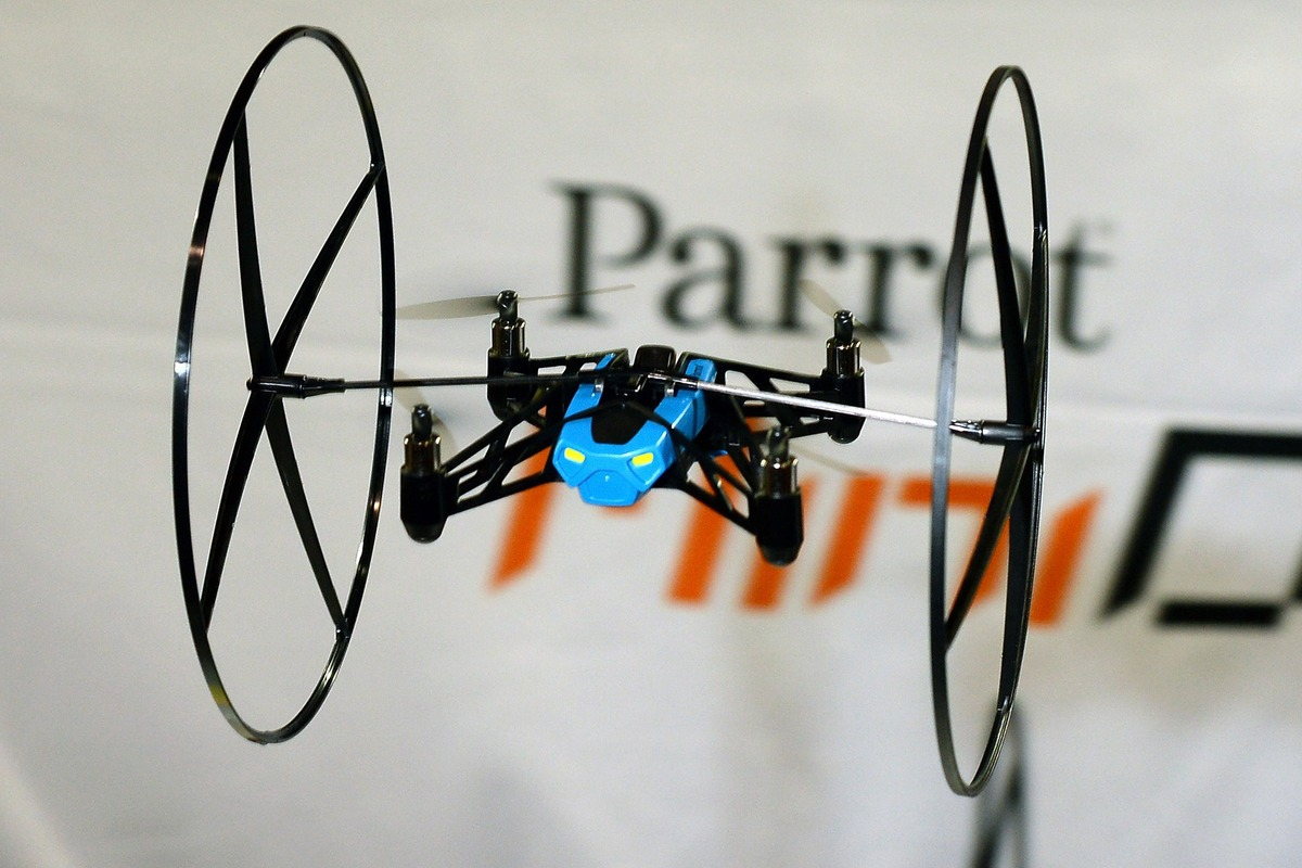 parrot-minidrone_techshohor
