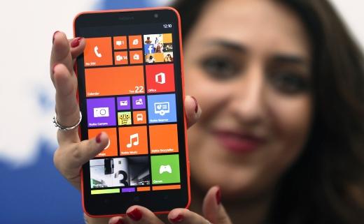 Nokia_Lumia_1320_techshohor