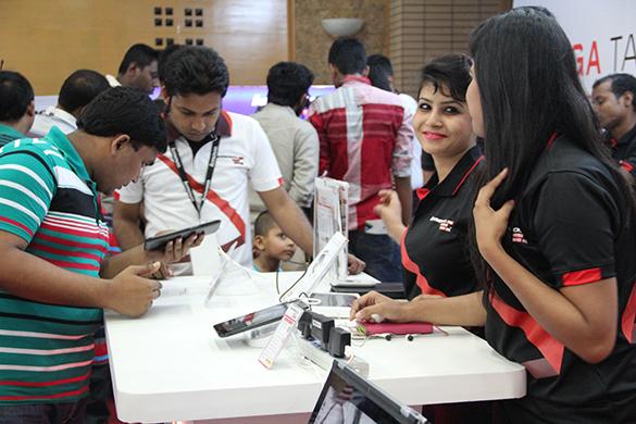 Robi Smartphone & Tab Expo-TechShohor -11