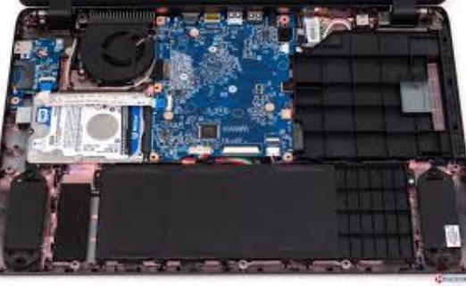 Acer Aspire ES1-512 (3)