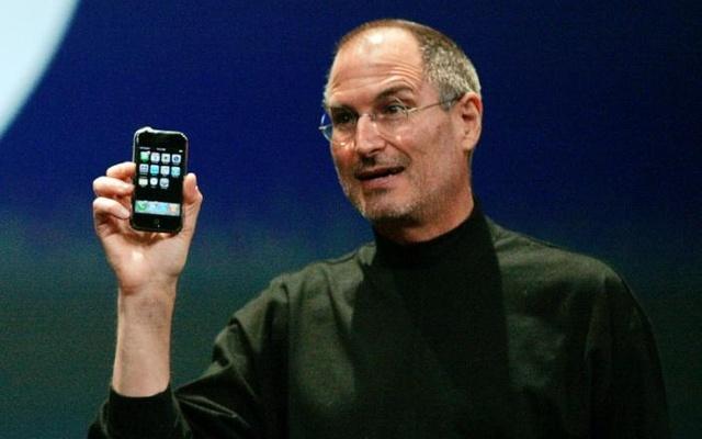ApplesiPhoneturns10bumpytechshohor